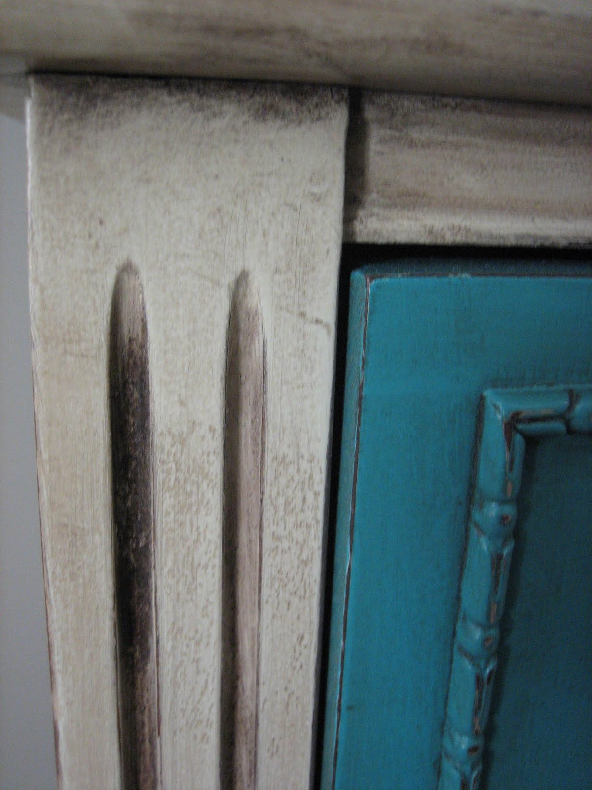 European Paint Finishes: ~ Turquoise/Teal & Cream Bedroom Set