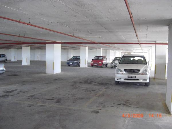 Parking Bertingkat Berbumbung