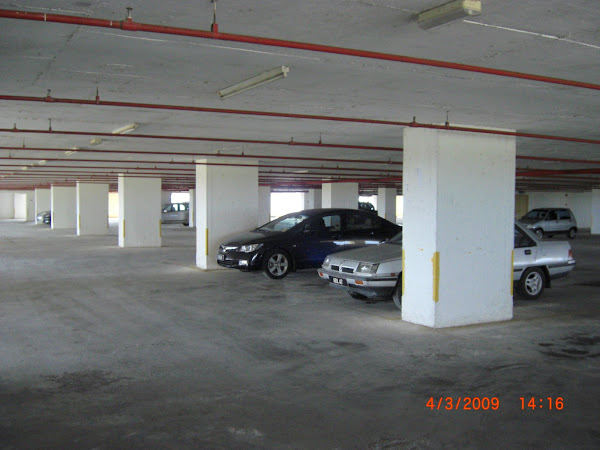 Lagi Parking Berbumbung