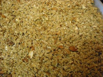 Super Easy Homemade Granola