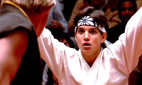 http://2.bp.blogspot.com/_gaARFPMP0MM/THMIkBGUSQI/AAAAAAAAARM/UloWZdKlMng/s1600/(090509234340)karate_kid_8.jpg