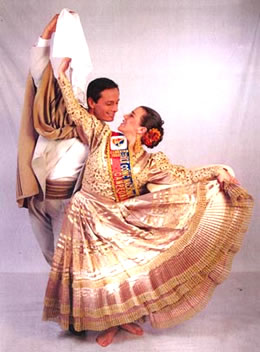Pareja bailarines besando en Burgos