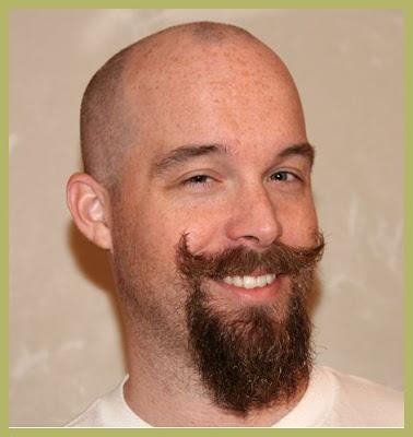 Grauer Bart: Goatee und Kinnbart