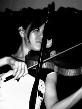 Savy Ho (Violin)