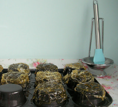 Toffee nests
