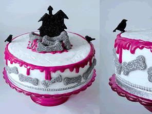 Halloween cake by Torie Jayne