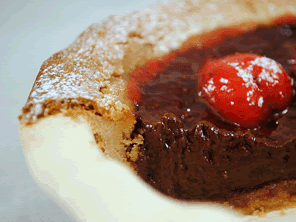 Gluten-free chocolate strawberry tart by Torie Jayne