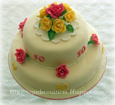 Torte e decorazioni rose per i 50 anni di mia sorella for Decorazioni per torta 60 anni