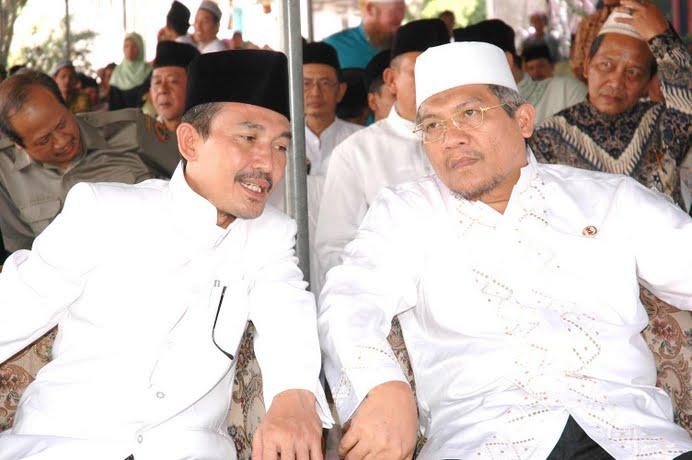KH. Zaim Ahmad bersama Menteri Kehutanan MS. Kaban
