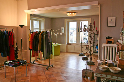 lealu kunst und handwerk in der villa. Black Bedroom Furniture Sets. Home Design Ideas
