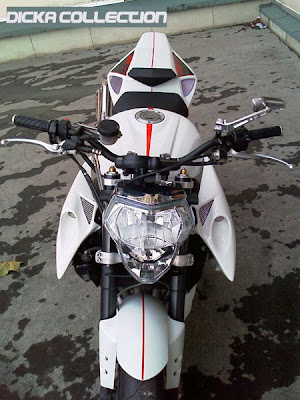 Yamaha R1 White Street Fighter Bodykit 1