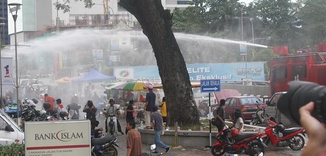 Lapan orang ditangkap selepas lebh 5,000 penyokong daripada 71 NGO dan