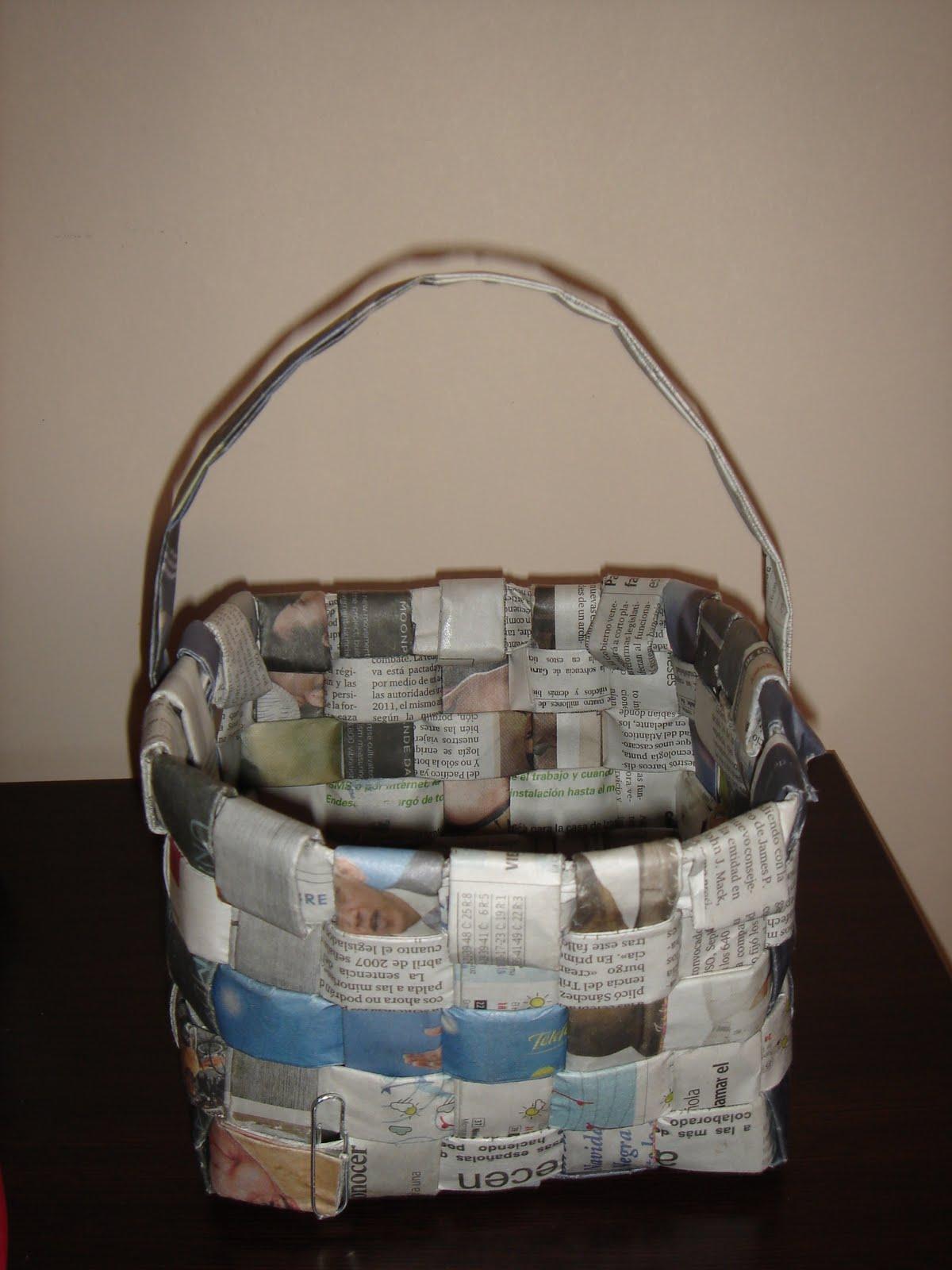 El rinconcito de la azufaifa cesta de papel de periodico - Cestas de papel periodico ...