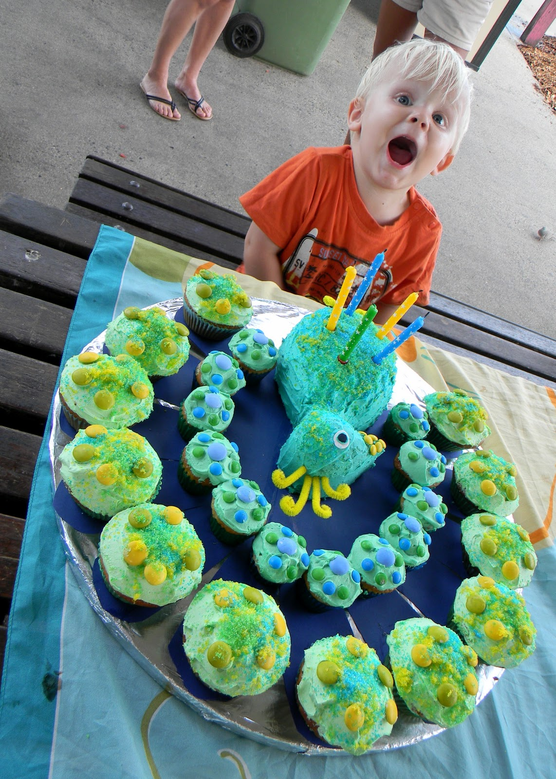 SewCraftRaindrops Bellyflops eats treats Peacock Cake