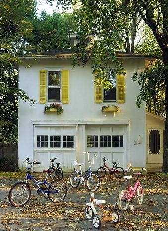 [sixx+design+yellow+shutters]
