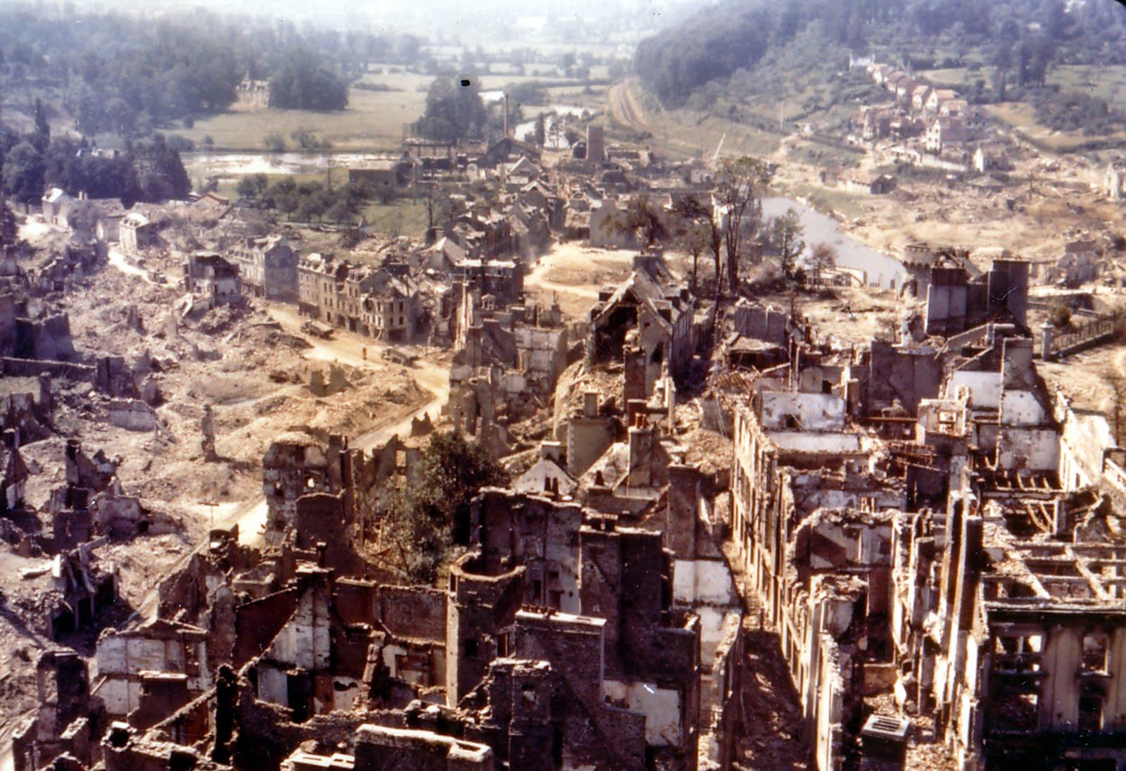 Etat de la ville de saint-lô après la guerre ( source : wikipédia)