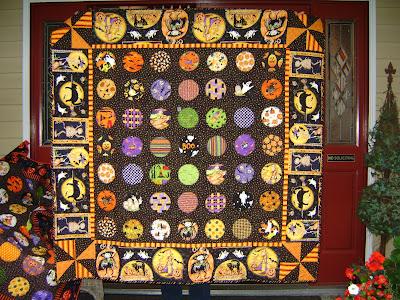 Front door designs halloween quilts for Front door quilt pattern