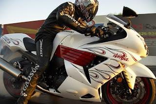 White Kawasaki Ninja zx-14 Motorcycles