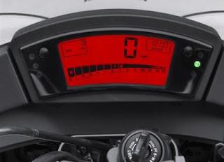 2011 Kawasaki Ninja 650R digital instrumentation