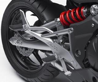 2011 Kawasaki Ninja 650R shock