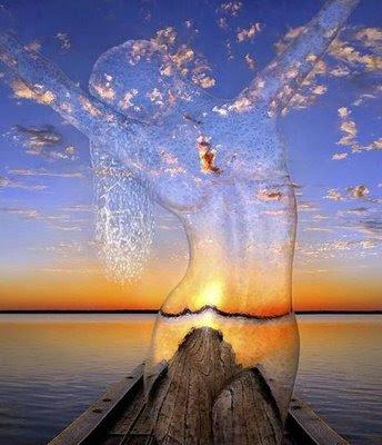 http://2.bp.blogspot.com/_glyLfBk9Cic/SbPidjoadVI/AAAAAAAAHOQ/76ZBO3zhbRs/s400/Mulher_agua2.jpg