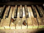 TOCA LAS TECLAS DEL PIANO ...ELLAS ME LLEVARAN A TU CORAZON