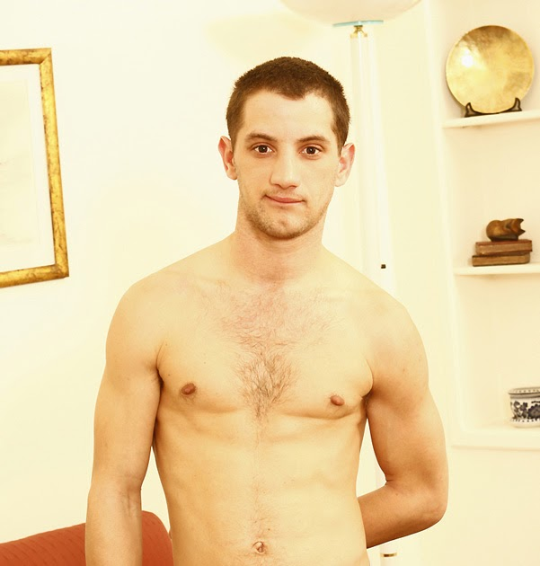 FabLicious Men: Actor Danny Lopes gets naked for Playgirl