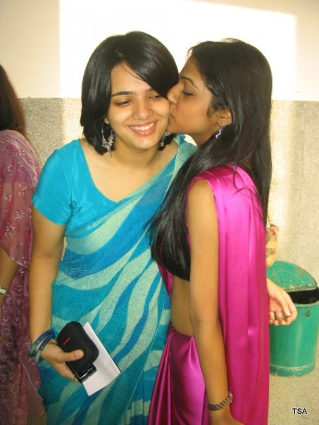 [pakistan+girls+kiss+++indian+girls+kiss+++indian+girls+++pakistam+girls+(8).jpg]