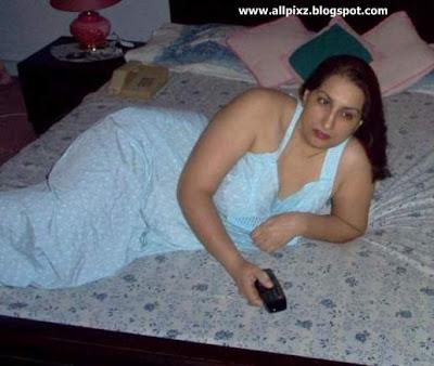 aunty+from+pakistan+in+salar+kameez+-+salwar+kameez+aunty+-+aunty ...