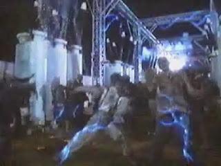 zombies donde aparece un Michael Jackson Zombie como guino al video