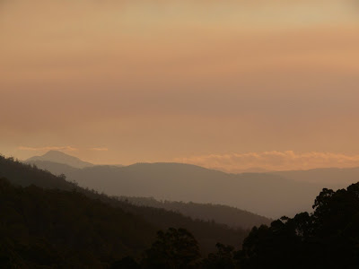 Mt Picton and the Western Arthurs (just visible) from Vinces Saddle 'neath a smoke-filled sky - 21 Mar 2007