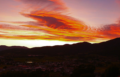 Sunrise over Huonville, Tasmania - 27th May 2007