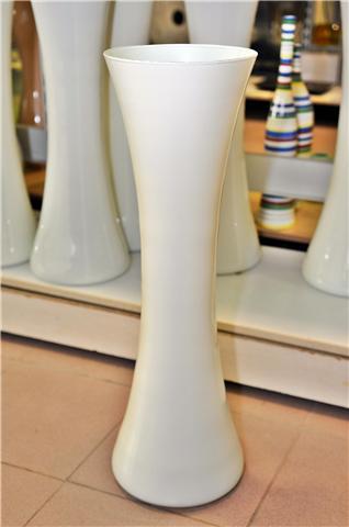 Los jarrones dan toque especial a la decoracion del hogar for Decoracion hogar jarrones