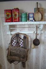 Hyllen på kjøkkenet mitt :)