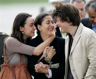 Ingrid Betancourt reencontrándose con sus hijos