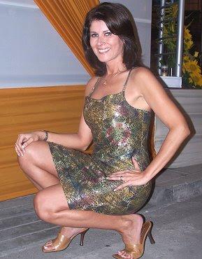 Olga Zumarán posando para las cámaras