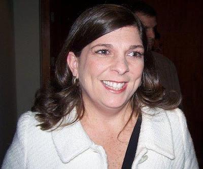 Rosa María Palacios sonriendo