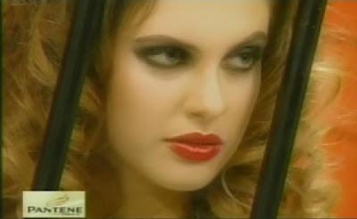 Rostro de Emilia Drago bien maquillada