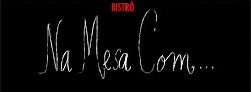 NA MESA COM...