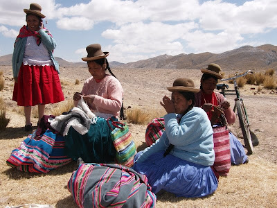 las mujeres tejedoras de juliaca