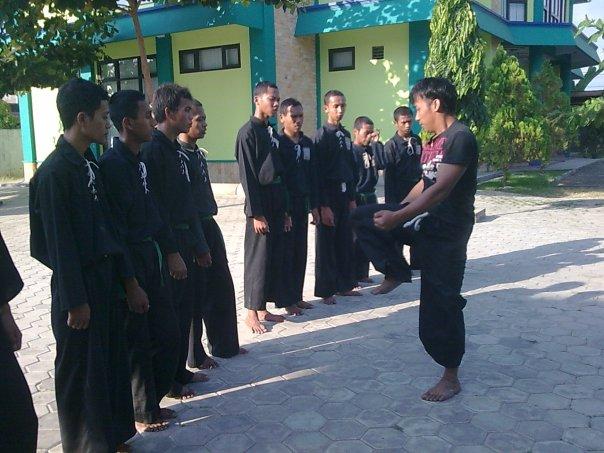 Latihan Rutin UKM BD