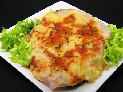 Milanesa a la Napolitana with Salad