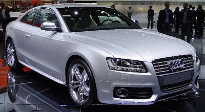 Carros dos jogadores de futebol - Rafael Sobis - Audi 5