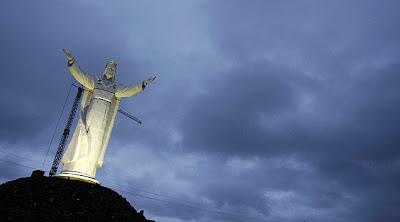 Maior estátua de Jesus Cristo do mundo