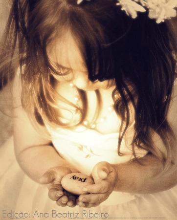 [laura-monahan-little-girl-with-pray-rock.jpg]