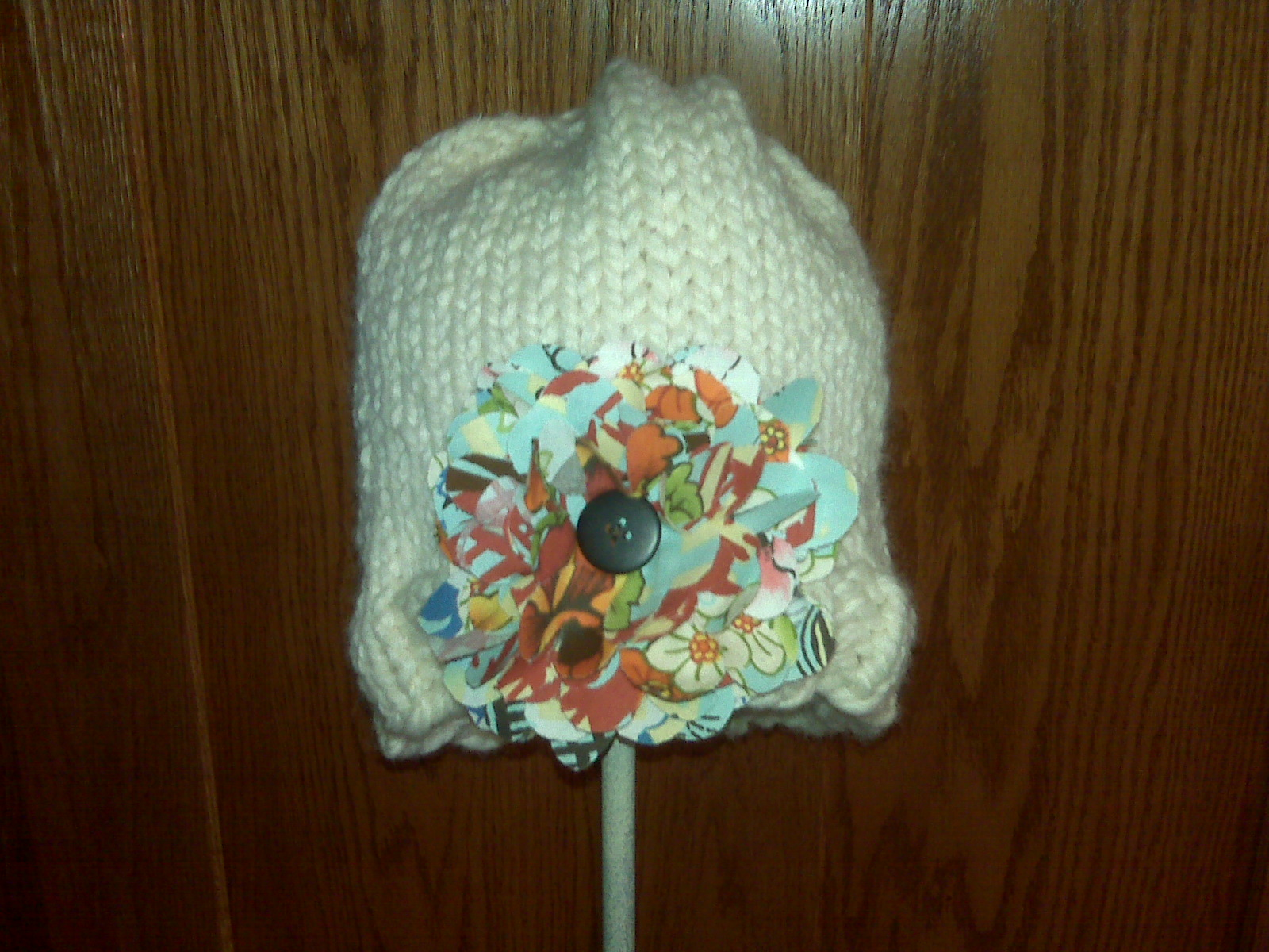 [cream+hat+with+flower.aspx]