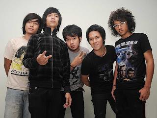Kunci Gitar dan Lirik  Rindu Setengah Mati D'Masiv ft. Kevin Aprilio