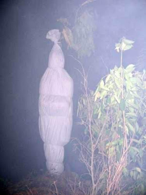 foto penampakan hantu pocong