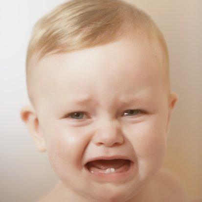 مراحل تطور الطفل : ظهور الاسنان