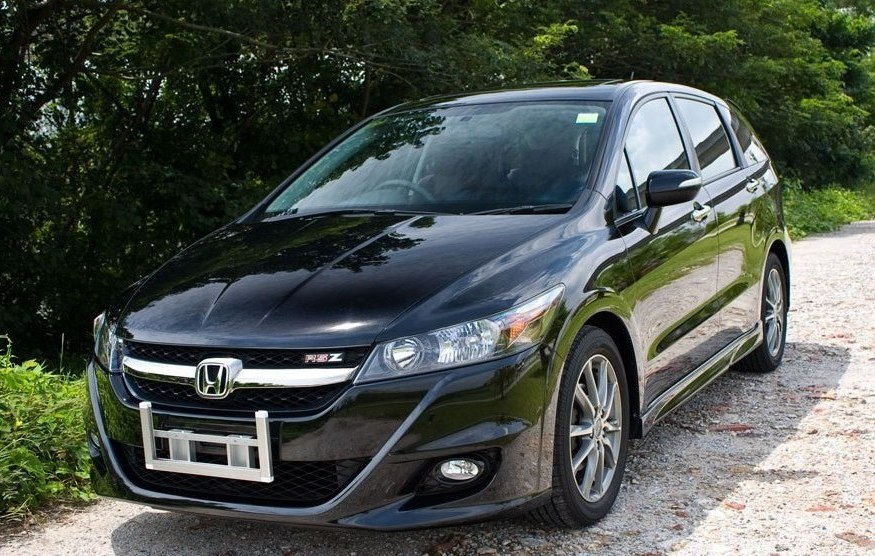 highclass-automotive: Road Test - Honda Stream RSZ 1.8